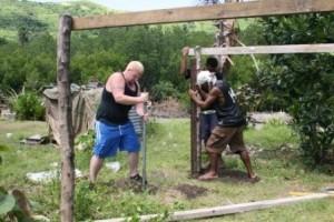 Fiji-rob_digging_0